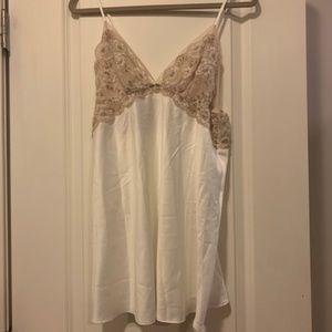 MWT Flora Nikrooz silk lace teddy slip M white/tan